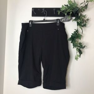 Westbound Woman Black Stretch Bermuda Shorts 18W